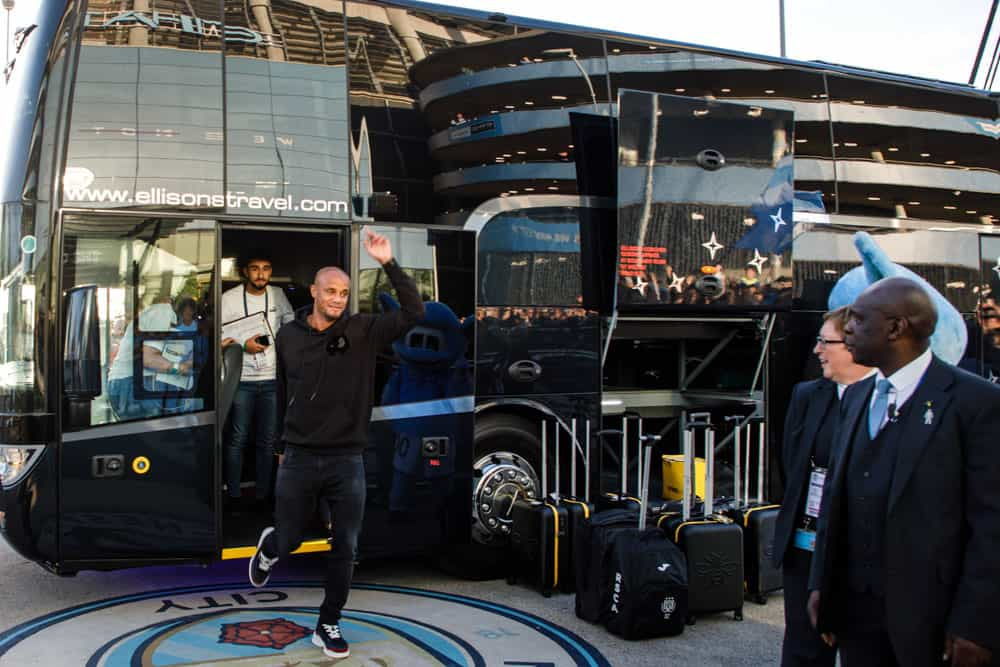 manchester city football club players arriving